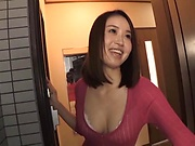 Yoshida Hana ,gets kinky on a huge shaft