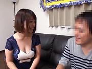 Wakaba Onoue enjoys a good shag doggy-style