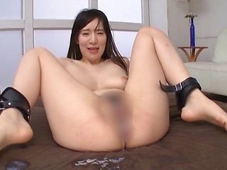 Sexy Asian woman Masaka Matsuoka goes nasty in a mmmf action