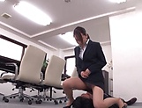 Office lady is good at keeping men happy picture 13
