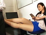 Kawana Aki pleasures a throbbing dick