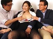 Kawana Aki pleasured by a sleazy fingering
