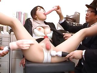Shiina Ririko ,excels in her cock sucking
