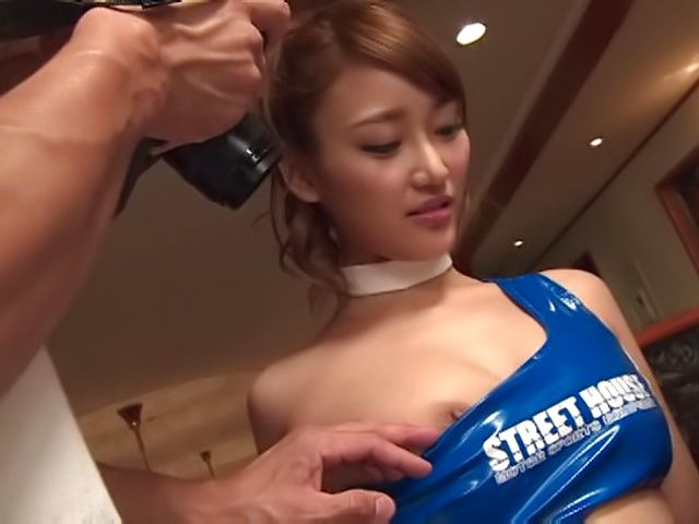 Wakana Nao ,gets a messy cum on ass