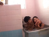 Stunning An Arisawa gives a hot blowjob in the bath