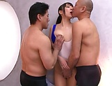 Race queen, Mashiro An had a threesome picture 2