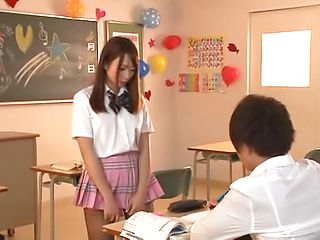 Appealing teen gets naugty in classroom sensation