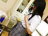 Lovely schoolgirl gives amateur oral to fat dick