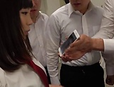 Sleazy teen Suzumura Airi enjoys a steamy foursome picture 7