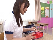 Bubble-assed Japanese amateur girl Hakii Haruka toys her pussy