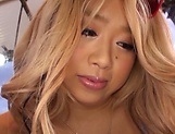 Kizaki Rena gets bonked hard in a lovely threesome picture 11