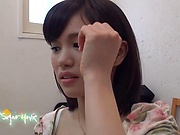 Akiyoshi Kanon ,has her shaved pussy pleasured