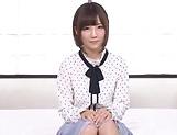 Japanese cutie Kizuna Sakura loves giving double blowie
