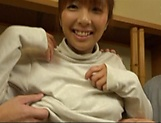 Kurata Hiromi is giving a double blowjob picture 4
