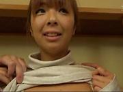 Kurata Hiromi is giving a double blowjob