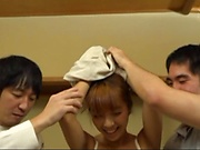Kurata Hiromi is giving a double blowjob