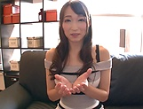 Hasumi Kurea ,devoued with a sensual kissing picture 15