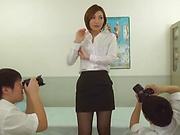 Natsuki Minami, performs a sleazy double bowjob