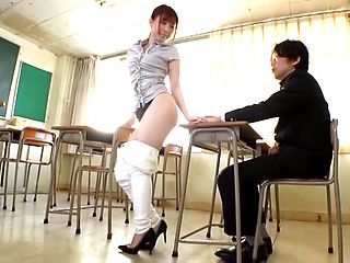 Lovely Hasegawa Rui look hot in high heels