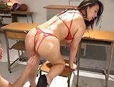 Oda Mako gets kinky in the classroom