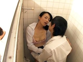 Good shag for Ishihara Kyouka in the toilet