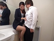 Horny woman got fucked in the toilet