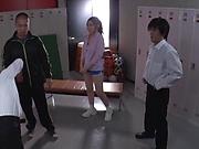 Sporty teacher Maijima Akari favors three guys with a blowjob