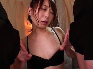 Elegant Asian sex doll Sakurai Moe gives a double blowjob on cam