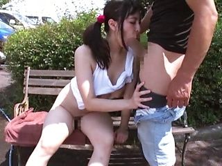 Kinky Japanese hottie tries a good cock in outdoor